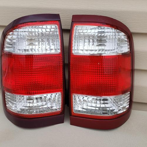 1996 - 2004 Nissan Pathfinder Tail Lights OEM