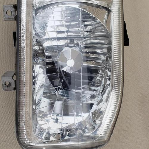1999-2004, OEM Nissan Pathfinder Right/Passenger Side Head Light